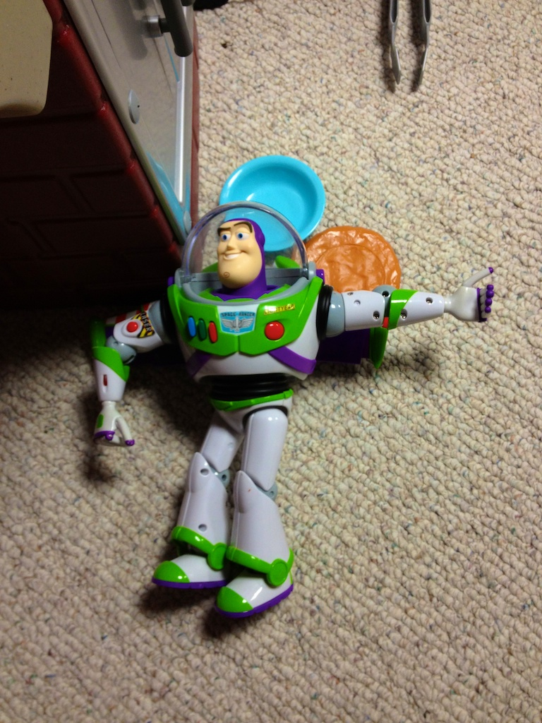 Buzz Lightyear, OUT!